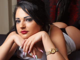 Photo de profil sexy du modèle MayaBerry, pour un live show webcam très hot !